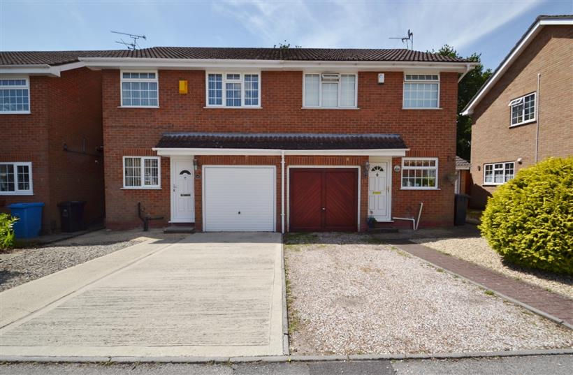 Well Presented Three Bedroom House To Let
