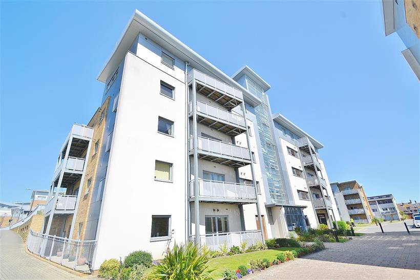 2 Bedroom Apartment – Harbour Reach