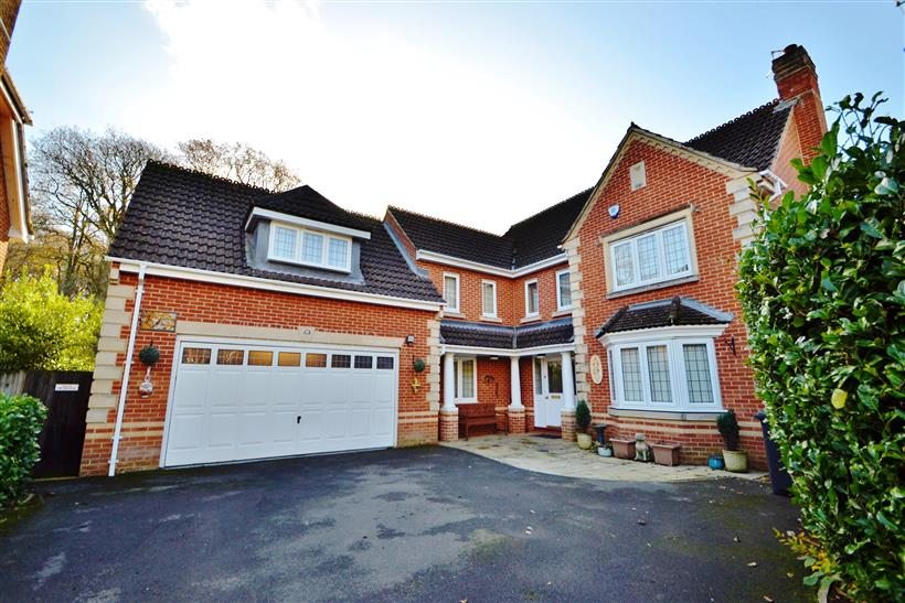 Knightwood Park - £825,000