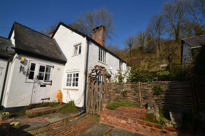 Charming Detached Period Cottage in the Heart of the Cranborne Chase