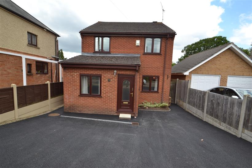 Spacious Detached Four Bedroom House To Let