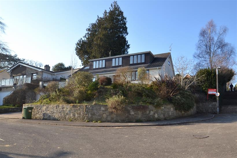 Price Reduction on Property in Broadstone!