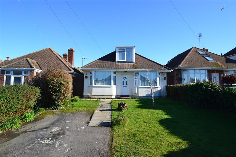 Three Bedroom Beautifully Presented Chalet Bungalow